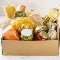 Você sabia: 1 cesta básica alimenta uma família de 4 pessoas por um mês (Custo médio de R$ 60,00)